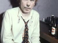 Doug Stanhope impersonates a Sex Pistol on the radio (audio)